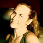 Holly Montes Headshot
